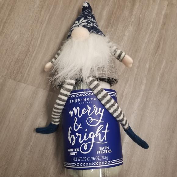 NWT Christmas Gnome Bath Fizzers Gift Set